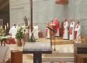 El arzobispo presidió en Santiago el acto de veneración de las reliquias de Santa Bernadette